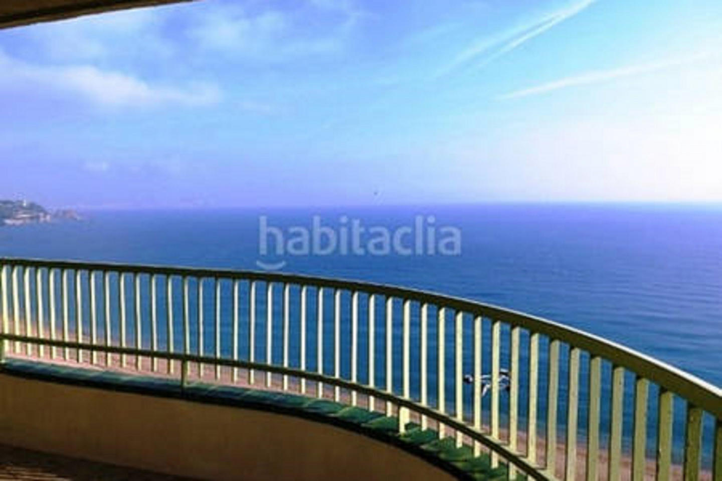 Beautiful first sea line apartment with excepti... Slide-5