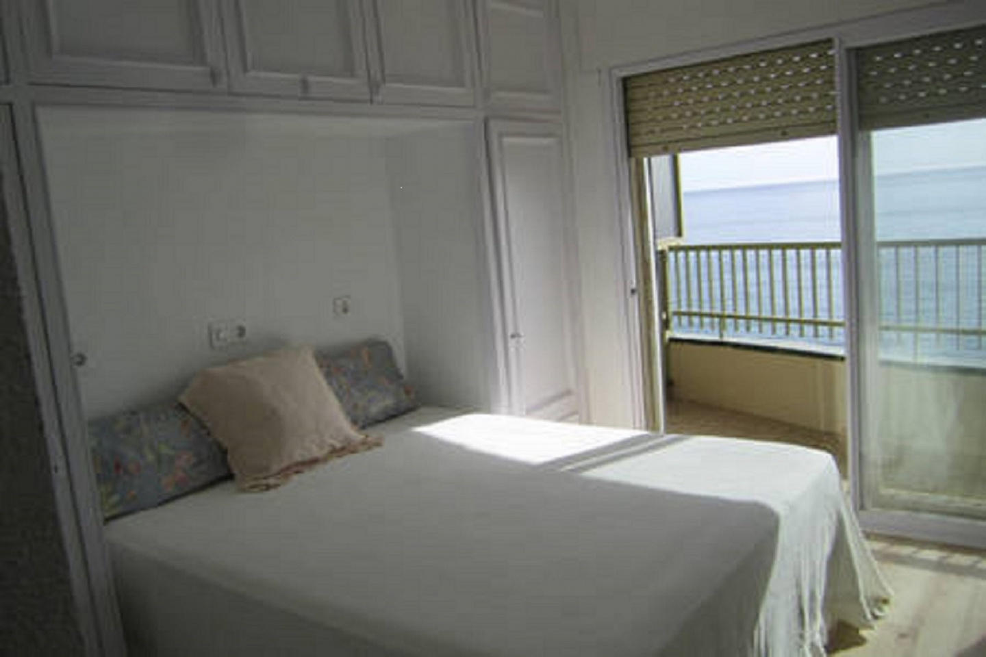 Beautiful first sea line apartment with excepti... Slide-8