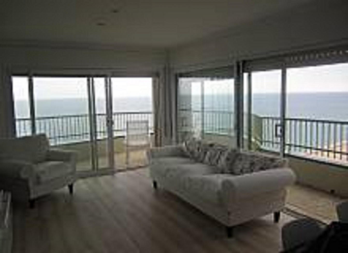 Beautiful first sea line apartment with excepti... Slide-3