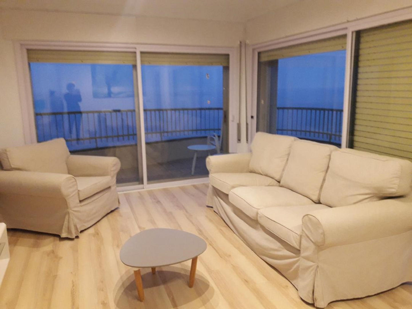 Beautiful first sea line apartment with excepti... Slide-1