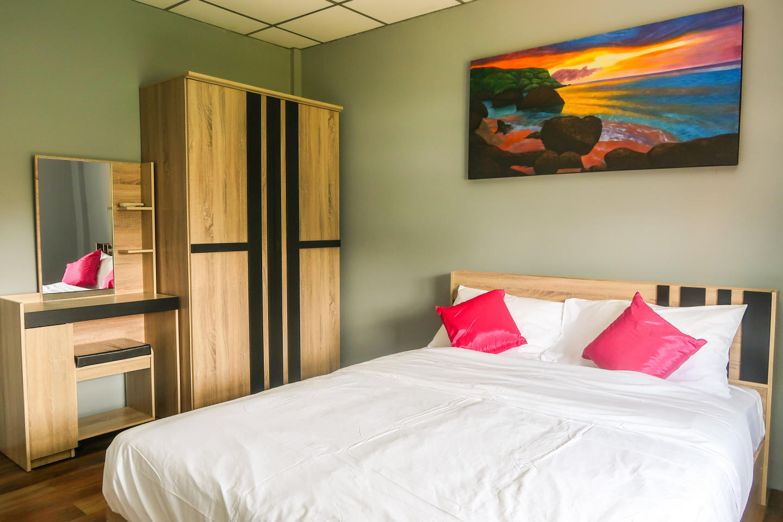 Pims Bed & Breakfast Standard room 1 Slide-1