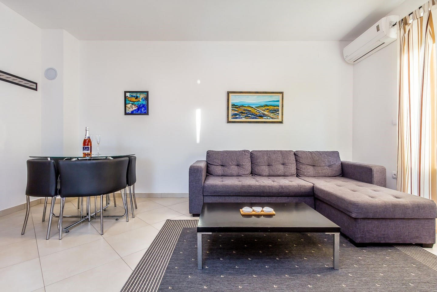 Spacious apartment in the center of Medulin wit... Slide-2