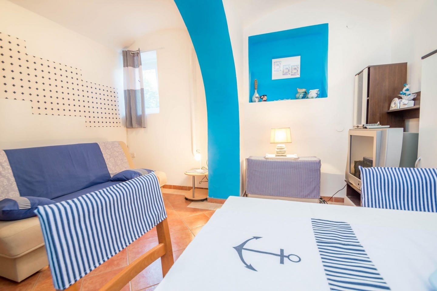 Cozy apartment very close to the centre of Pula... Slide-1