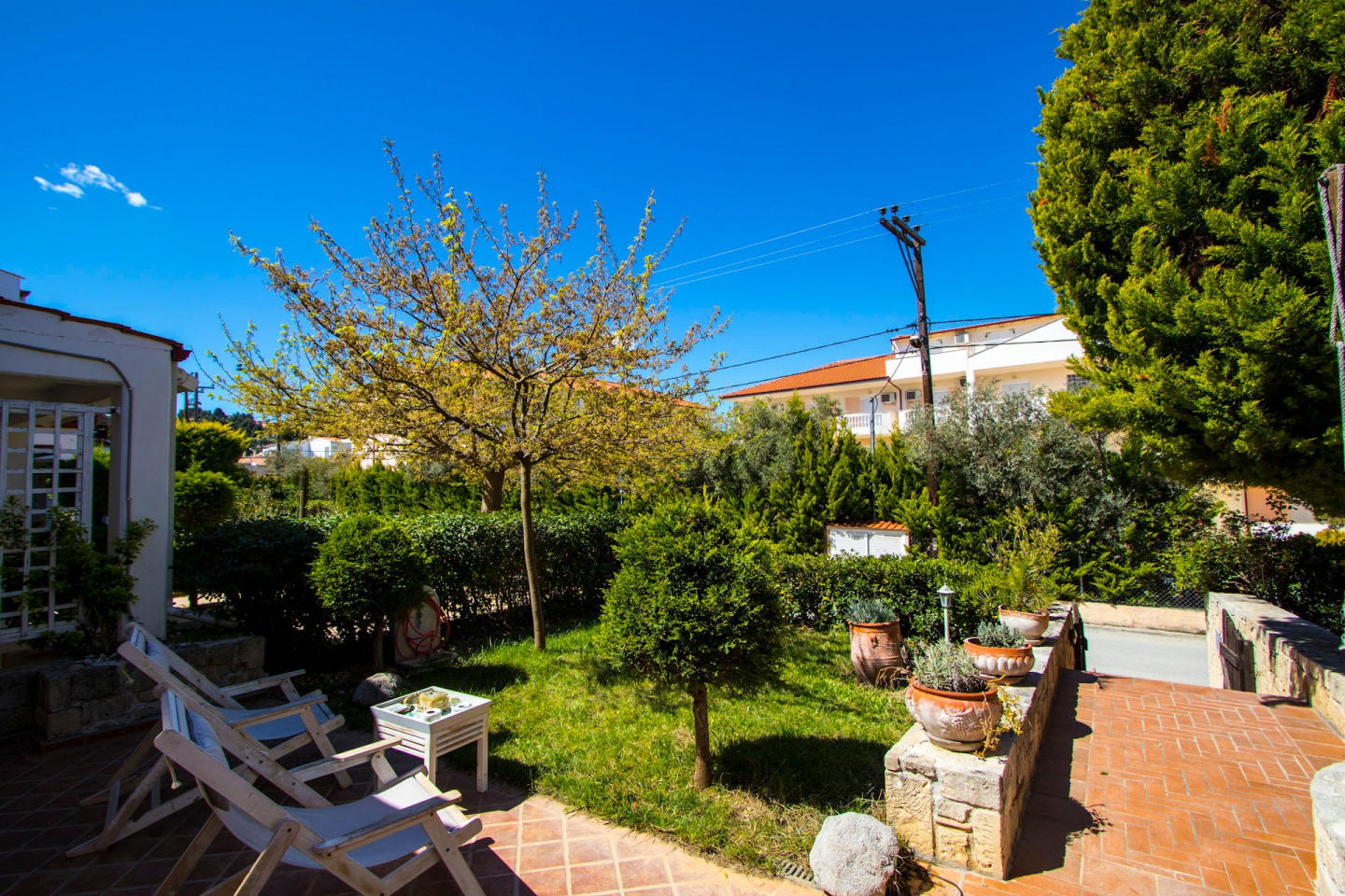 Spacious house in Pefkochori with Internet, Was... Slide-1