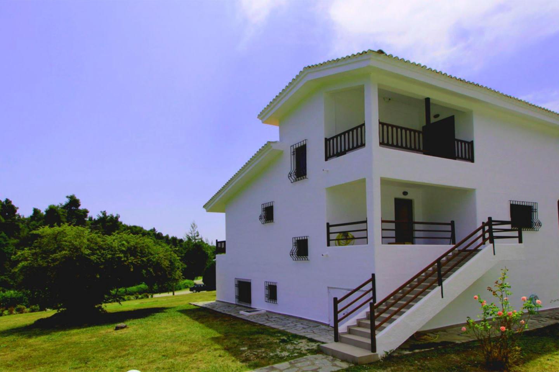 Spacious house in Siviri with Internet, Washing... Slide-1