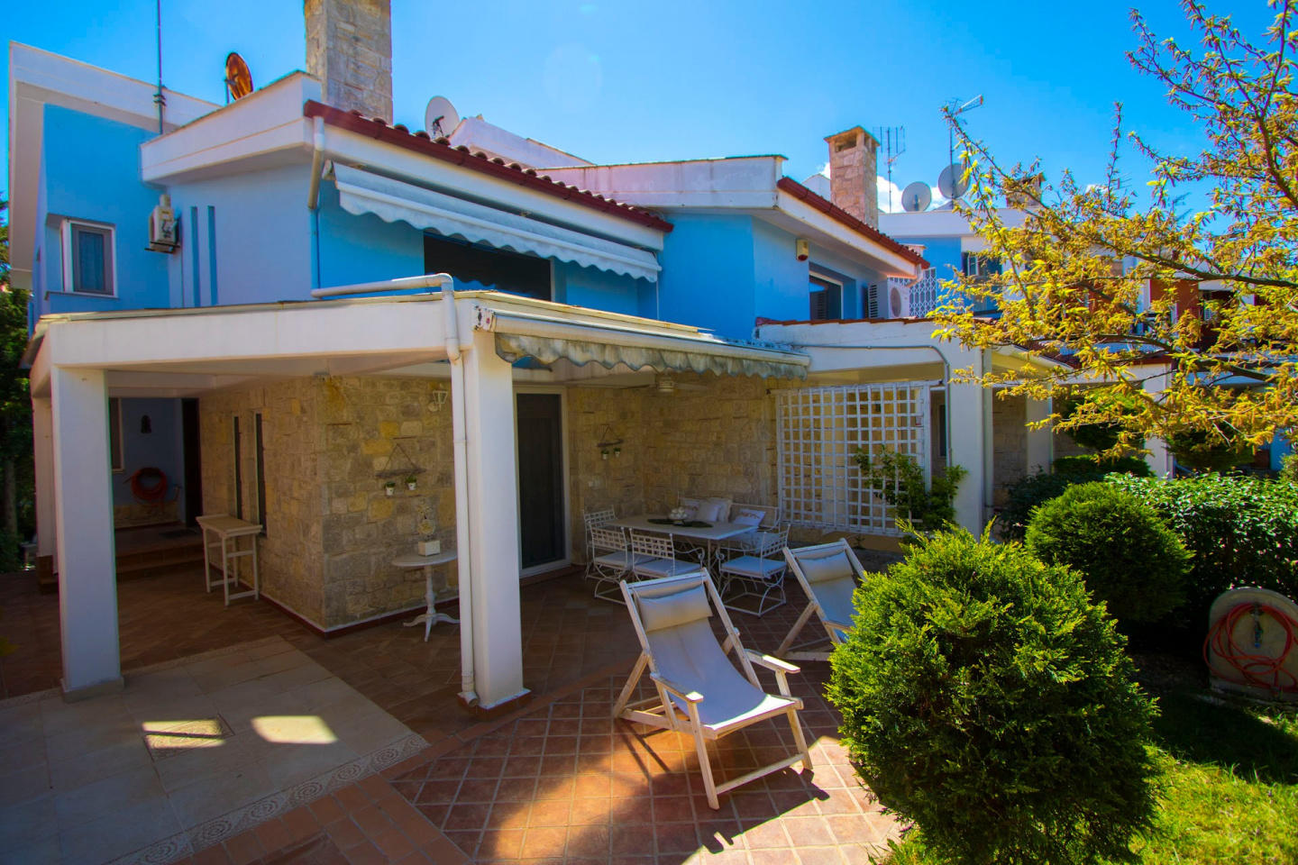 Spacious house in Pefkochori with Internet, Was... Slide-2