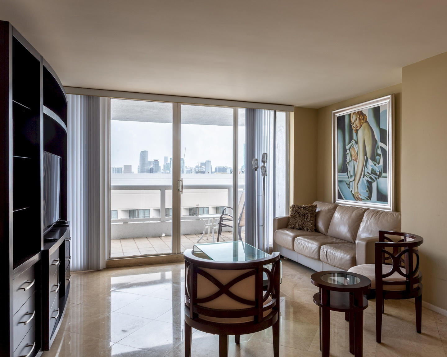 Cozy apartment in Miami with Lift, Parking, Int... Slide-1