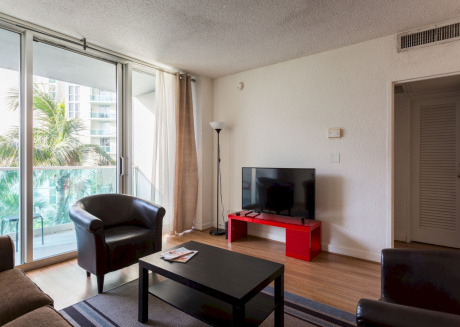 Spacious apartment in Hollywood with Lift, Parking, Internet, Air conditioning