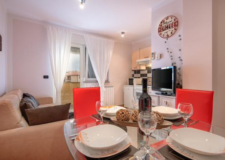 Cozy apartment close to the center of Ližnjan with Parking, Internet, Washing machine, Air conditioning