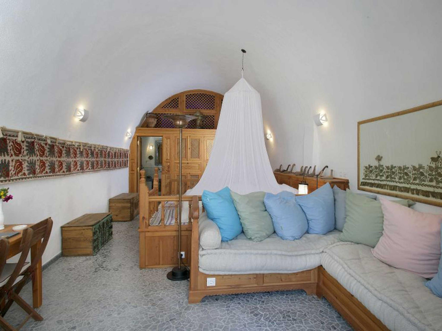 Cozy apartment in the center of Lindos with Int... Slide-3