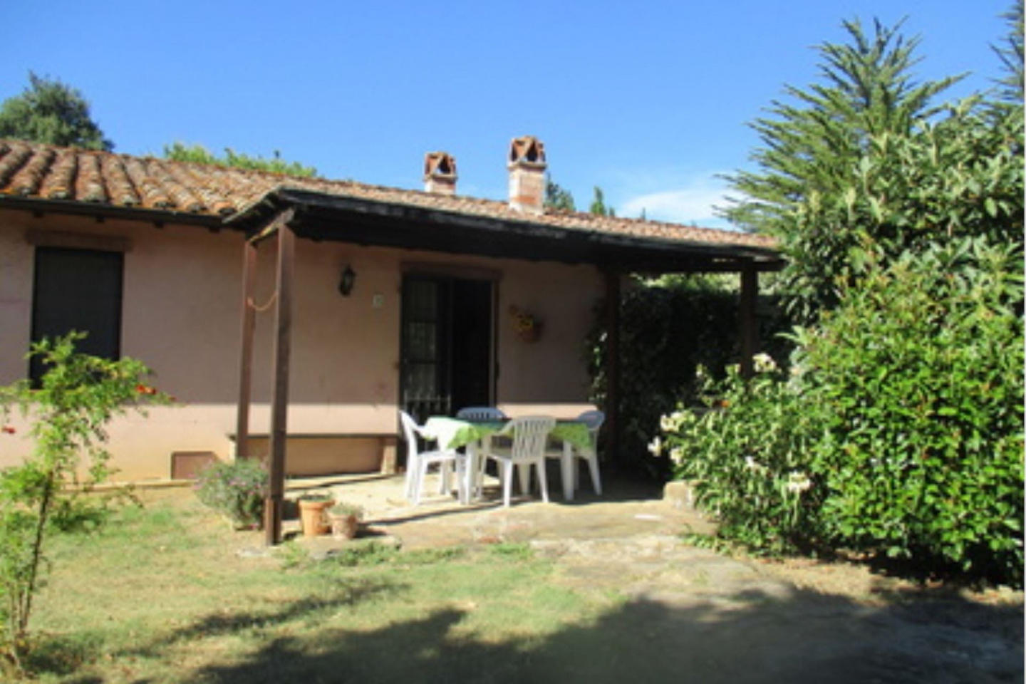 Spacious villa in Terrazzella with Parking, Int... Slide-2