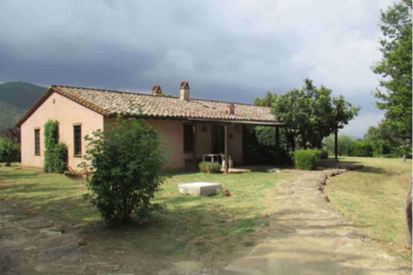 Spacious villa in Terrazzella with Parking, Int... Slide-3