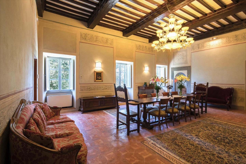 Spacious villa in Cortona with Parking, Interne... Slide-1