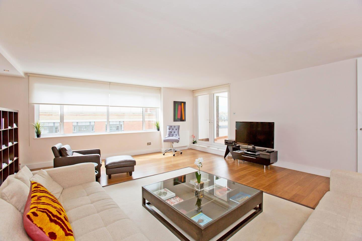 Sloane Ave · Immaculate Penthouse Apartment On... Slide-1