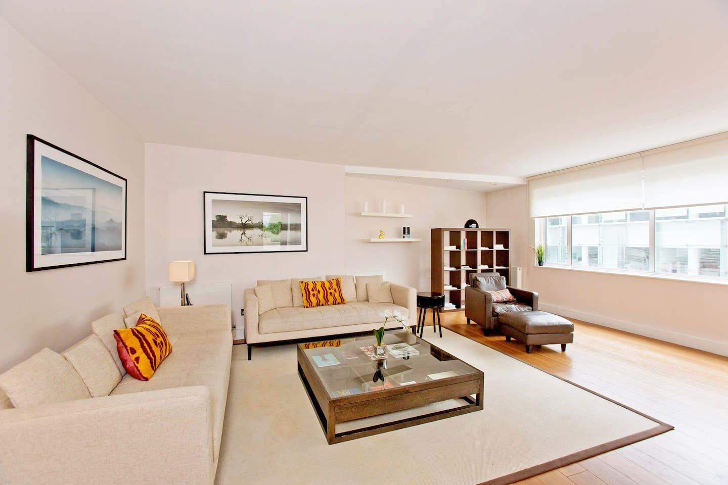 Sloane Ave · Immaculate Penthouse Apartment On... Slide-2