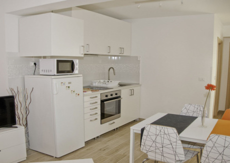 Cozy apartment very close to the centre of Pula with Parking, Internet, Air conditioning, Balcony