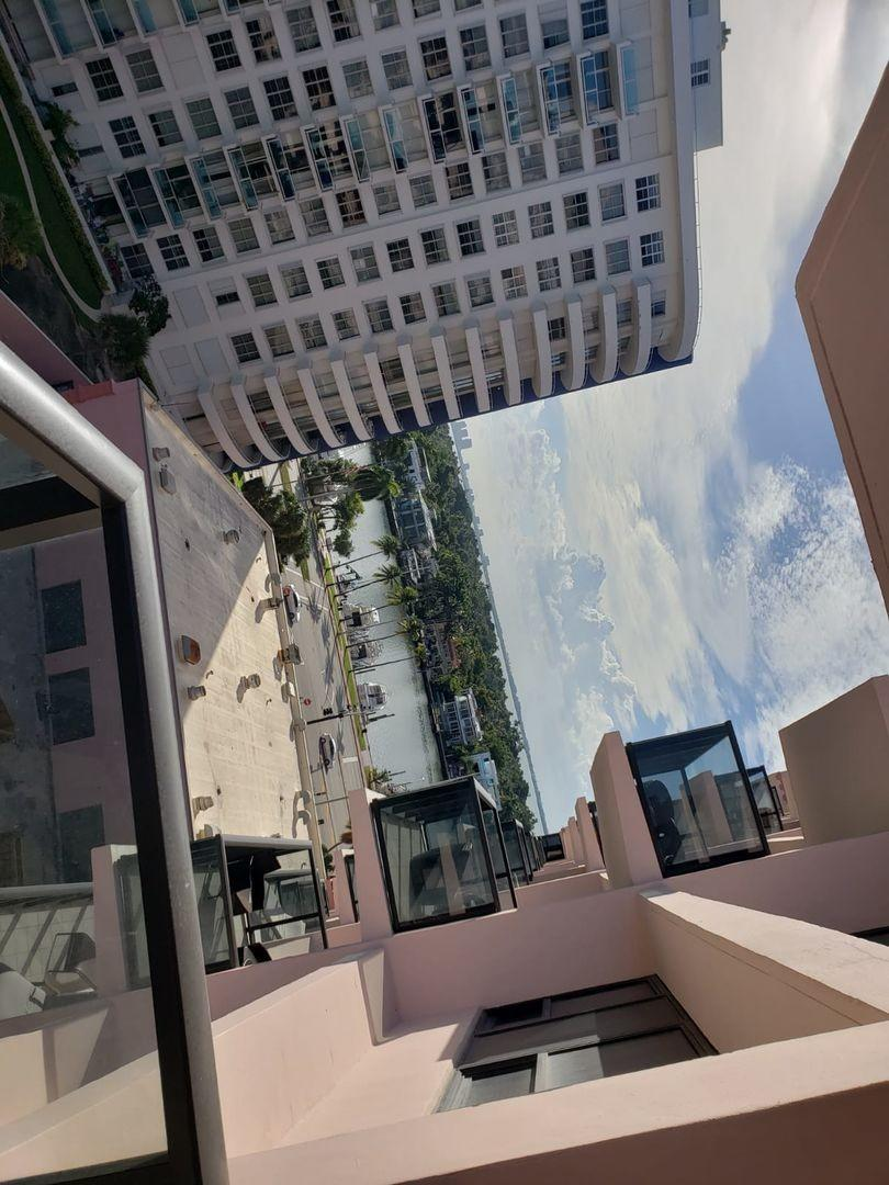 Cozy apartment in Miami with Lift, Parking, Int... Slide-2