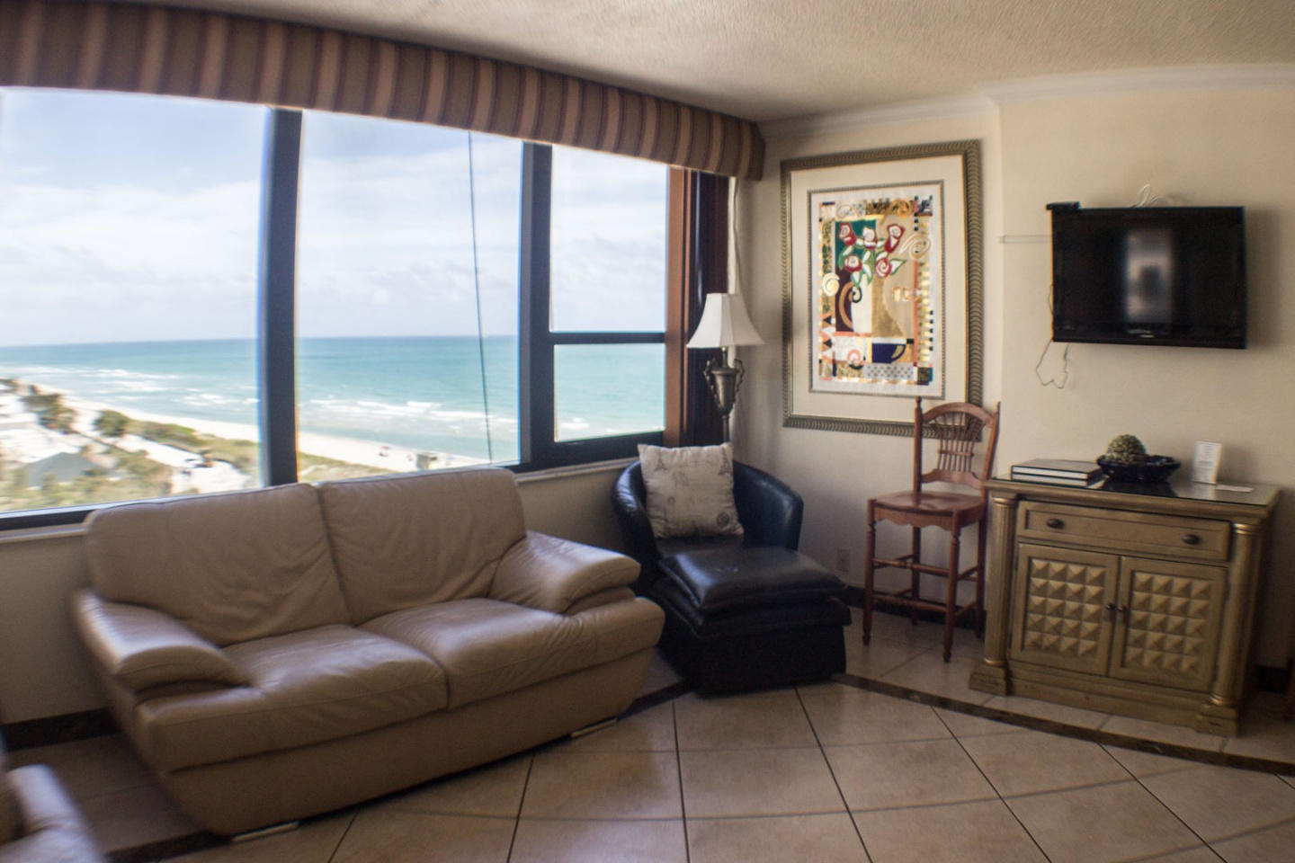 Cozy apartment in Miami with Lift, Parking, Int... Slide-3