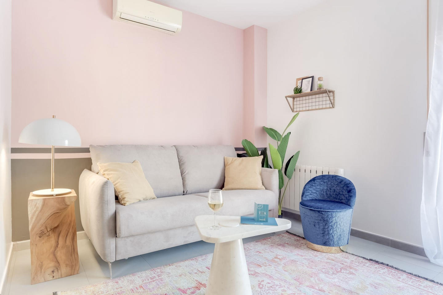 Spacious apartment in Barcelona with Parking, I... Slide-3