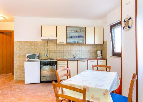 Cozy apartment in the center of Ližnjan with Air conditioning, Terrace