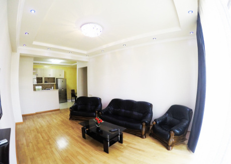 Spacious apartment in Tbilisi with Lift, Parking, Internet, Washing machine