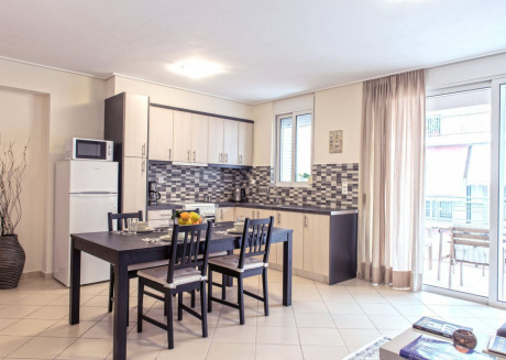 Spacious apartment very close to the centre of Athens with Lift, Internet, Washing machine, Balcony