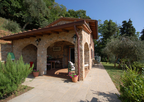 Cozy country house close to the center of Camaiore with Parking, Internet, Washing machine, Pool