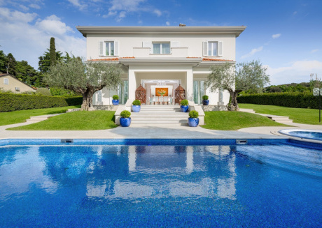 Spacious villa very close to the centre of Poreč with Parking, Internet, Washing machine, Air conditioning