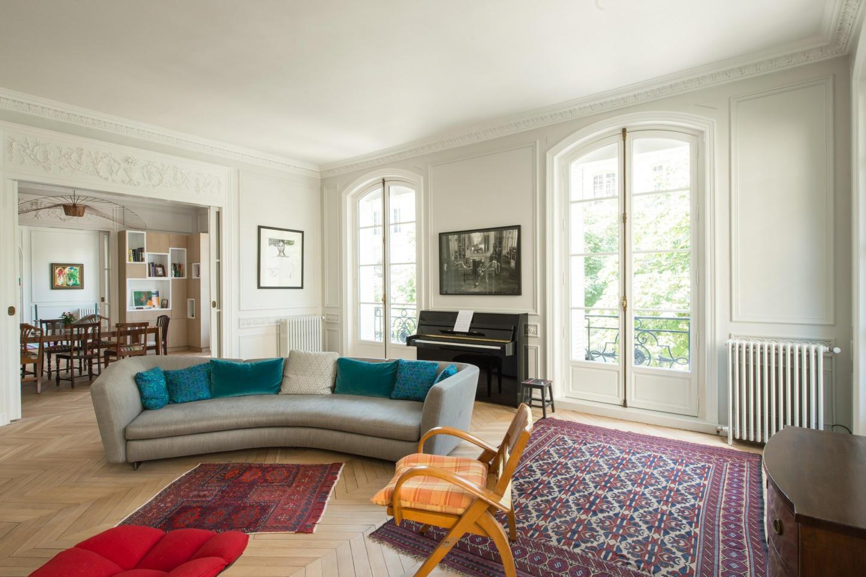 Spacious apartment in Paris with Lift, Internet... Slide-2