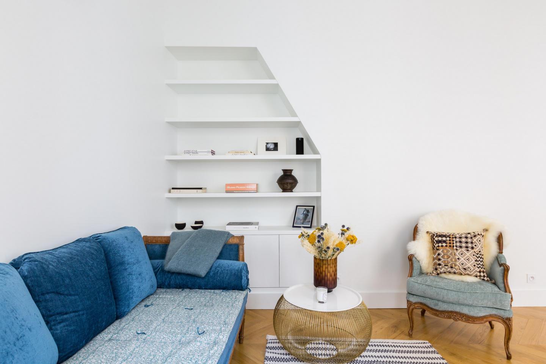 Spacious apartment close to the center of Paris... Slide-3
