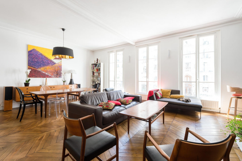 Spacious apartment in Paris with Lift, Internet... Slide-1