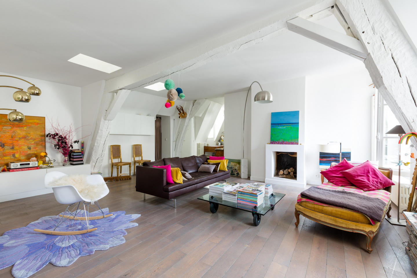 Spacious apartment in the center of Paris with ... Slide-2