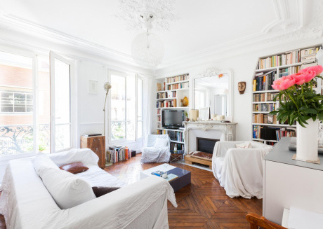 Spacious apartment close to the center of Paris with Lift, Internet