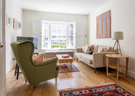 Spacious apartment in London with Internet, Washing machine, Terrace