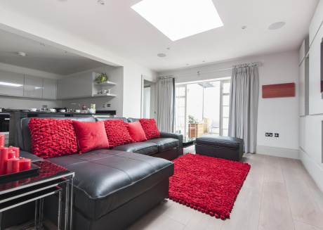 Spacious apartment close to the center of London with Internet, Washing machine, Garden