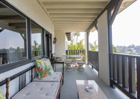 Spacious apartment in Los Angeles with Lift, Internet, Washing machine, Air conditioning