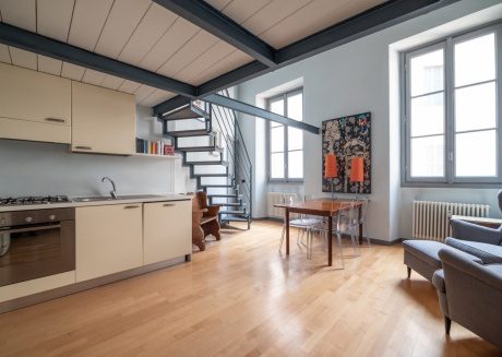 Spacious apartment close to the center of Milan with Internet, Washing machine