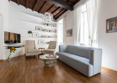 Spacious apartment very close to the centre of Rome with Lift, Internet, Air conditioning