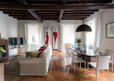 Spacious apartment in the center of Rome with Lift, Internet