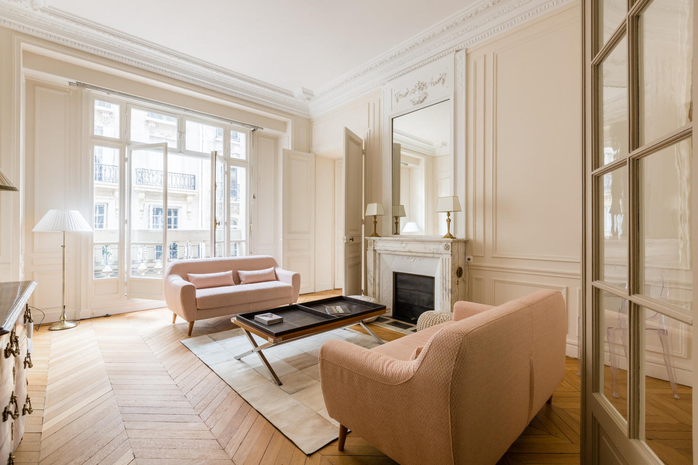 Spacious apartment in Paris with Lift, Internet... Slide-2
