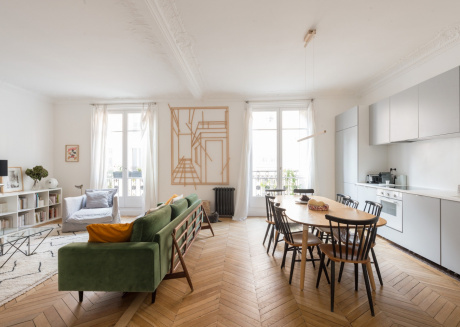 Spacious apartment very close to the centre of Paris with Lift, Internet
