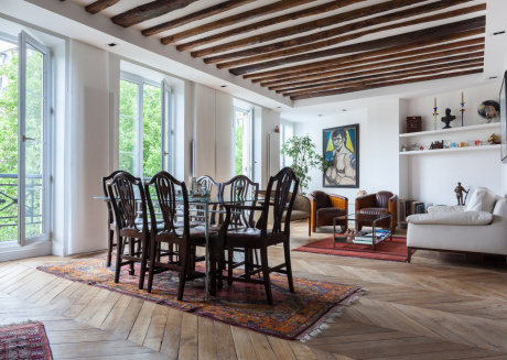 Spacious apartment in the center of Paris with Lift, Internet