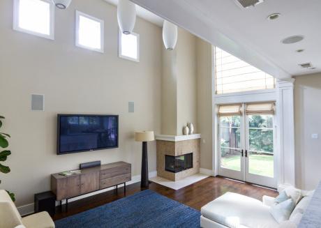 Spacious apartment close to the center of Manhattan Beach with Internet, Washing machine, Garden