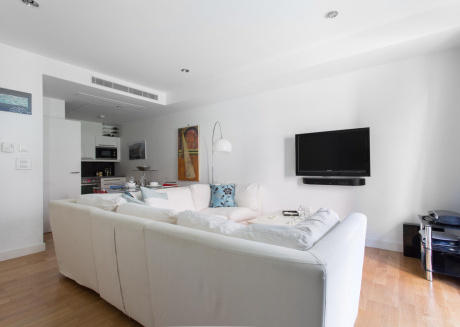 Spacious apartment close to the center of London with Internet, Terrace