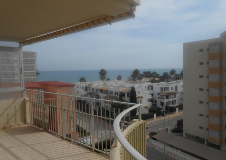 Cozy apartment a short walk away (83 m) from the