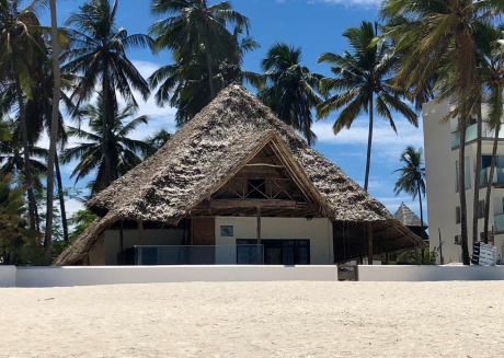 Turtle House Beach Front Villa - Two Double Bedrooms and Bathroom