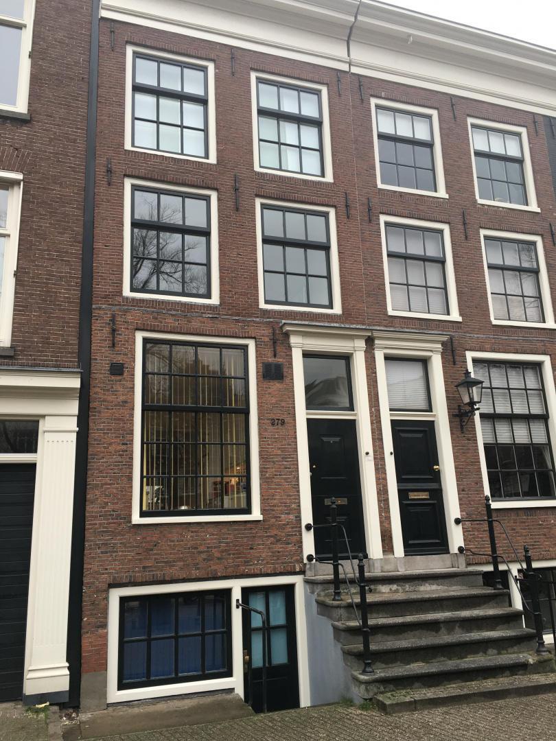 Leidseplein Studio Appartment Slide-1