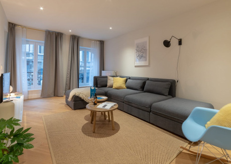 Spacious apartment very close to the centre of Brussels with Lift, Internet, Washing machine