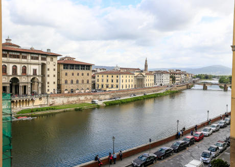Promenade, 7 rooms, in the heart of Florence