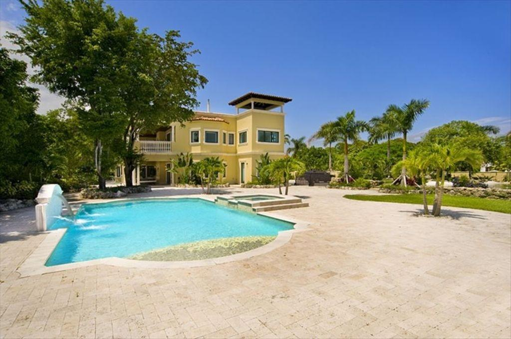 Cozy house in Miami with Internet, Air conditio... Slide-3